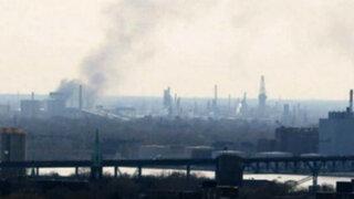 Bomberos controlaron incendio tras explosión en refinería de Detroit
