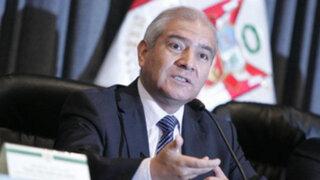 """Ministro Pedraza relevó a policías por """"complicidad"""" en fuga de delincuentes"""