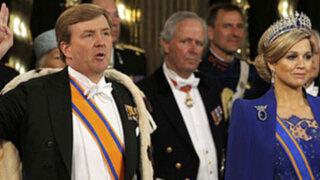 Nuevo rey holandés prometió luchar contra la crisis económica en su país