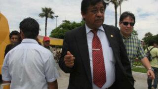 Critican a congresista de Perú Posible que pretendería quitar apellido a su hija