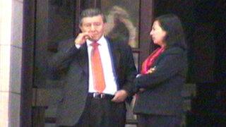 Noticias de las 6: Roncagliolo se fuma un cigarrillo en el día de su renuncia