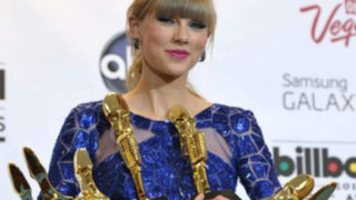 Taylor Swift ganó en ocho categorías de los Billboard Music Awards 2013