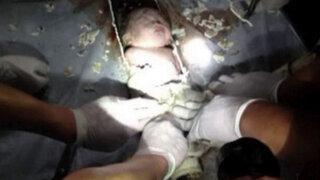 China: No denunciarán a madre de bebé que cayó en una tubería