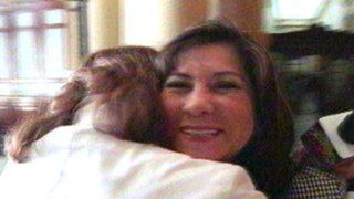 Abrazos y más abrazos: Luis Carlos Burneo irradia cariño en el Congreso