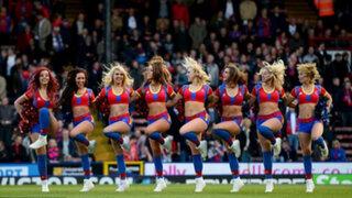 Porristas inglesas celebran retorno de su equipo con espectacular coreografía