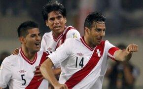 Hinchas ya acampan para comprar las entradas del partido Perú-Uruguay