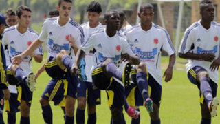 Selección colombiana entrenan con ventiladores por calor de Barranquilla