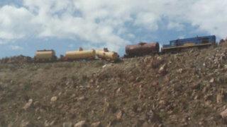 Arequipa: descarrilamiento de tren ocasionó derrame de petróleo