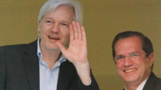 Ecuador: Canciller Patiño se compromete en dar asilo a Julian Assange