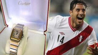 Claudio Pizarro recibió costoso regalo por ser el Padre futbolista del año
