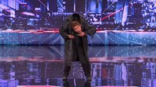 Joven asiático sorprende al mundo con baile al estilo 'Matrix'