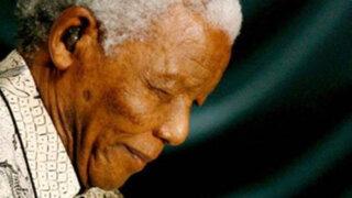 Doctores hacen todo lo posible para que Nelson Mandela siga con vida
