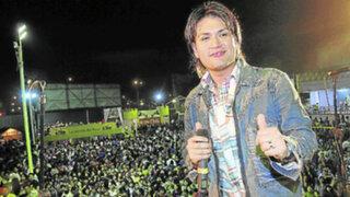 Néctar canta e ilusiona a sus fans con el éxito cumbiambero 'Cholita'