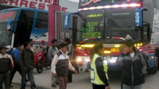 Transportistas interprovinciales cobran hasta 100% más por feriado largo