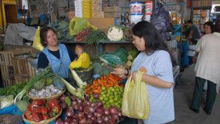 Especialista afirmó que inflación perjudicará más a familias de bajos ingresos