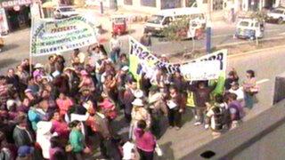 Vecinos protestan por deplorables condiciones del Hospital de Huaycán