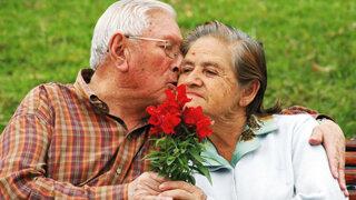 Soluciones Médicas: Mitos y Verdades sobre la menopausia y la andropausia