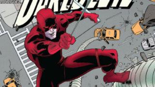 Hombre que bajó puente de Brooklyn vestido de Daredevil es buscado en EEUU