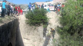 Cusco: combi que venía de Apurímac se despista y deja cinco personas muertas