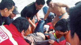 Dos universitarios mueren ahogados debido al fuerte oleaje en Chimbote