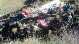 Arequipa: caída de ómnibus a abismo deja dos muertos y 43 heridos