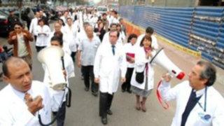 Esta mañana inicia huelga de médicos pese a anuncio de descuentos