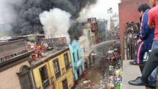 Local incendiado en el Centro de Lima no contaba con permiso de Defensa Civil