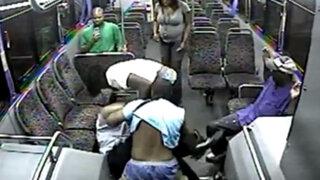 EEUU: Pasajeros masacran y apuñalan a chofer de bus para no pagar boleto