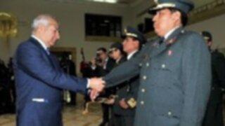 Ascienden a cinco policías por su labor en incendio de Paruro y asaltos en Lima
