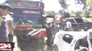Cajamarca: violento choque de bus interprovincial dejó 2 muertos y 4 heridos