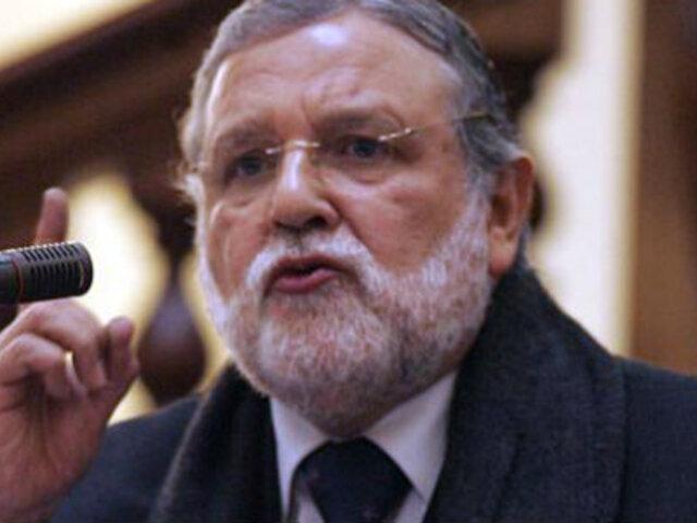 Ernesto Blume considera que restituir el Congreso disuelto es una posibilidad remota