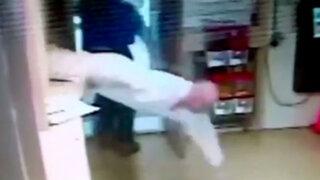 EEUU: preso aprovecha un descuido y se escapa por ventanilla