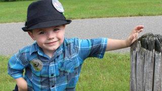 """EEUU: niño de 4 años es reelegido como """"alcalde"""" de un pueblo de Minnesota"""