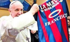 """Papa Francisco paga """"religiosamente"""" su membrecía del San Lorenzo"""