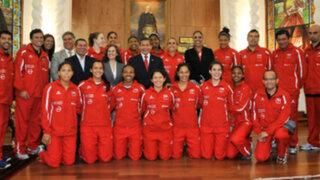 'Matadorcitas' fueron recibidas por el Presidente en Palacio de Gobierno