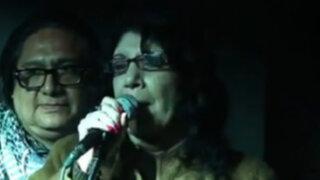 Poeta Dalmacia Ruiz-Rosas mentó la madre a asistente en accidentado recital
