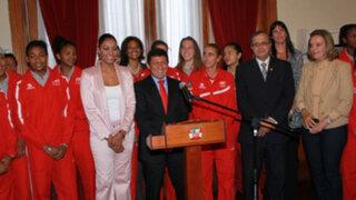 Selección de voleibol Sub 18 recibió homenaje en el Congreso de la República
