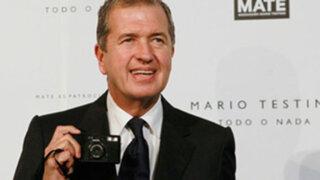 Reina Isabel II de Inglaterra condecoró a fotógrafo peruano Mario Testino
