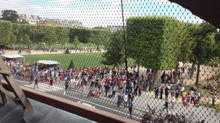 Autoridades francesas evacuan la Torre Eiffel por amenaza de bomba