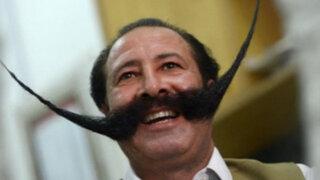 Insólito: Hombre es amenazado de muerte por tener bigote de 76 centímetros