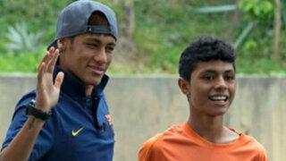 Neymar cumple el sueño a un adolescente en Malasia