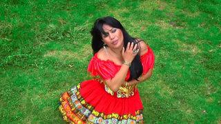 Al ritmo del huayno Celinda Vargas nos canta 'No me vuelvo a enamorar'