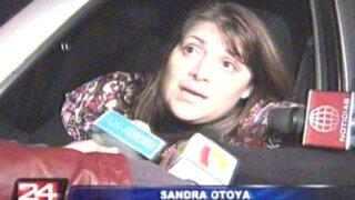 VIDEO: Profesora ebria pierde el control y protagoniza escándalo en vía pública
