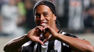 Ronaldinho Gaucho se realizó una cirugía estética en boca y encías