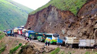 Denuncian que Gobierno no controla informalidad en carreteras
