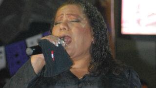 Bartola de rompe y raja: cantante regresa al callejón barranquino donde creció