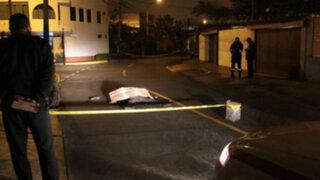 Hombre muerto de tres disparos en Surco sería un asaltante