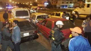 Vía Evitamiento: Intensa llovizna provocó choque múltiple entre 30 vehículos