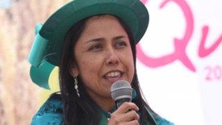Noticias de las 6: Nadine Heredia responde críticas a programas sociales