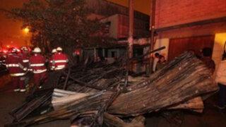 Voraz incendio consumió local del Vaso de Leche en Villa El Salvador